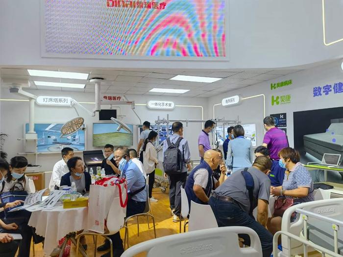 深圳医疗器械展会第二天